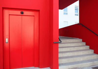 coren-access-erp-escalier-rouge