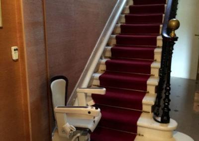 Mise en place d'un monte-escalier Handicare